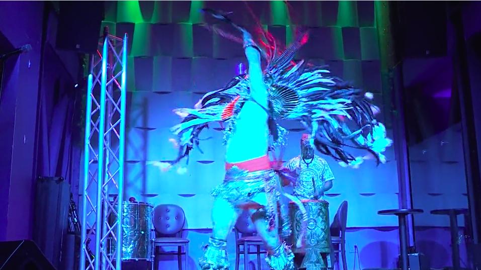 Carnaval: a dancer