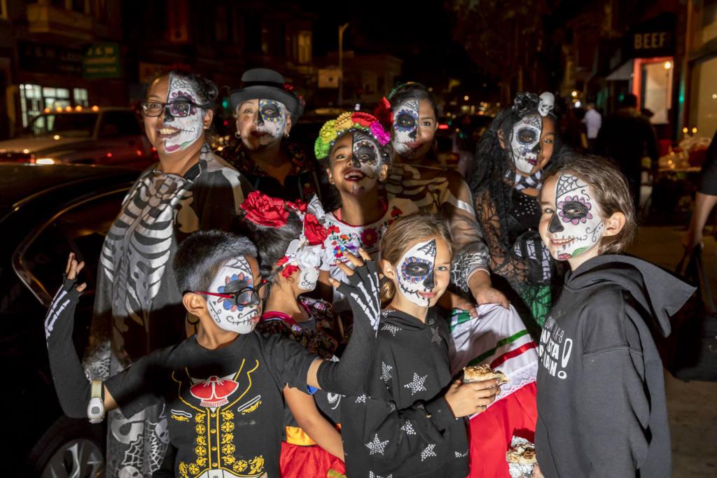 Dia de los Muertos revelers