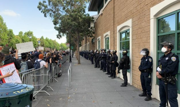 """Estaciones de San Francisco colgarán carteles en apoyo al movimiento """"Black Lives Matter"""", una idea que el sindicato de la policía rechazó"""