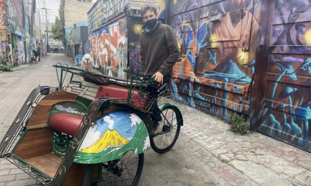 Kai Bansner builds custom rickshaws from Indonesia to give mural tours