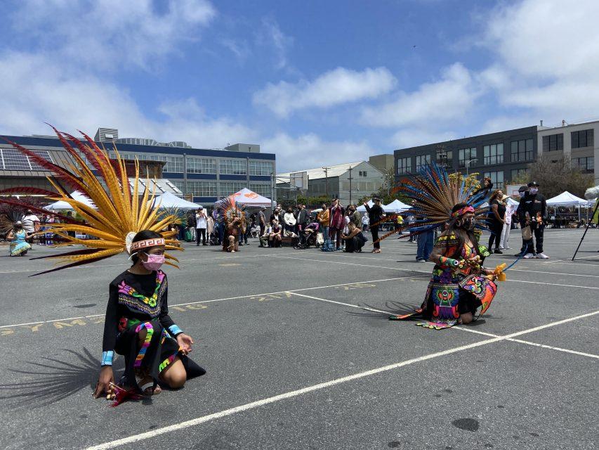 Carnaval dancers at the inaugural dance. Carnaval sf . Mission