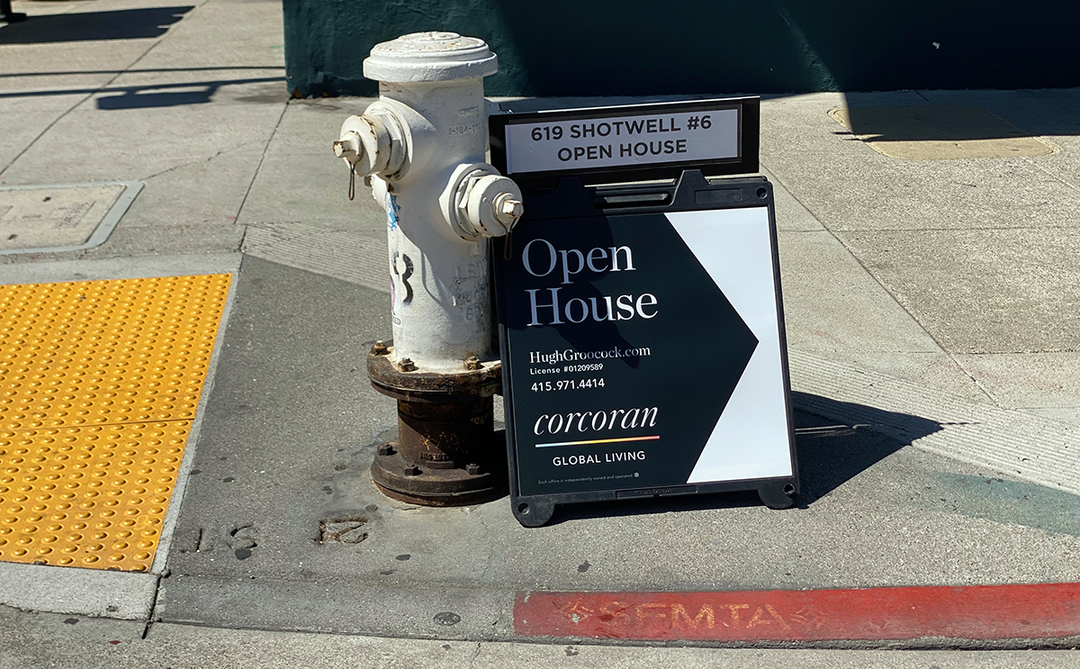 Open House sign on Valencia Street